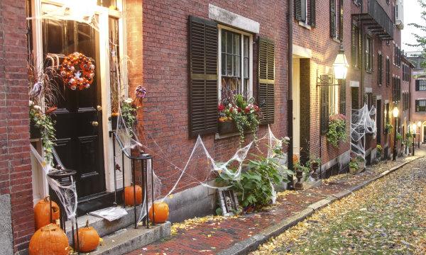 http://news.travel.aol.com/2013/10/17/best-halloween-neighborhoods-united-states/