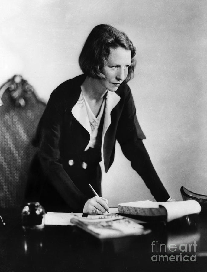 a history of edna st vincent millay a poet – manuscript of edna st vincent millay's conversations at midnight destroyed in hotel fire.